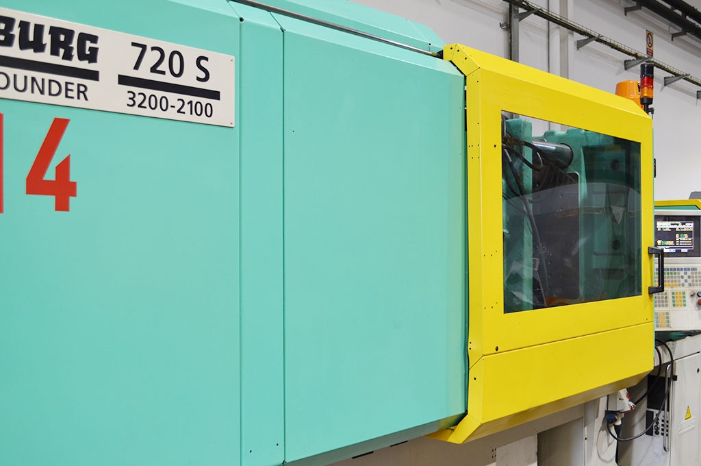2_maquina-injeccio-720